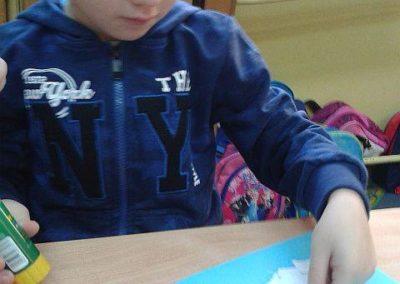 Bałwanek - wydzieranka Kreatywnie z dzieckiem Marlena Wrońska Prace plastyczne Święta Zima