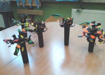 Drzewo 3D Dzień Drzewa Dzień Lasu Dzień Leśnika Dzień Ochrony Środowiska Dzień Ziemi Izabela Kowalska Jesień Prace plastyczne Prace plastyczne (Dzień drzewa) Rośliny Wiosna (Prace plastyczne) Zima (Prace plastyczne)