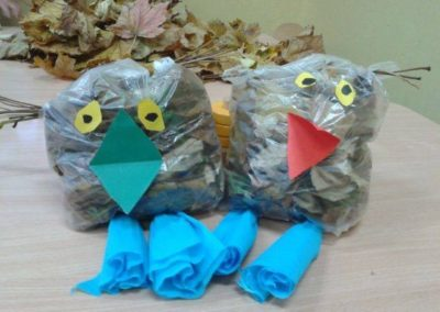 Sówki z torebek śniadaniowych Jesień Jesień Marlena Wrońska Prace plastyczne Prace plastyczne (Dzień Zwierząt) Prace plastyczne (Jesień) Światowy Dzień Zwierząt Zwierzęta