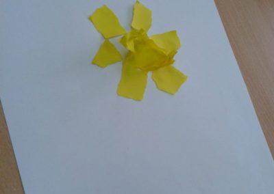 Żonkile z bibuły Dzień Edukacji Narodowej Jesień Lato Marlena Wrońska Prace plastyczne Prace plastyczne (Dzień Edukacji Narodowej) Prace plastyczne (Jesień) Rośliny (Prace plastyczne) Wiosna (Prace plastyczne)