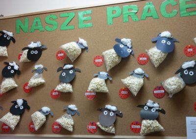 Baranek z popcornu Aneta Grądzka-Rudziak Dzień Popcornu Prace plastyczne Prace plastyczne (Dzień Zwierząt) Prace plastyczne (Wielkanoc) Światowy Dzień Zwierząt Wielkanoc