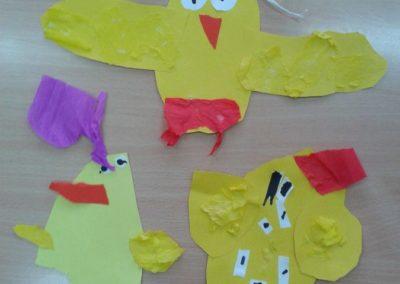 Kurczaczki - wycinanka Marlena Wrońska Prace plastyczne Prace plastyczne (Dzień Zwierząt) Prace plastyczne (Wielkanoc) Światowy Dzień Zwierząt Wielkanoc Zwierzęta