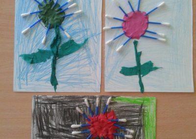 Kwiatek z patyczków do uszu Jesień Jesień Lato Marlena Wrońska Prace plastyczne Prace plastyczne (Jesień) Prace plastyczne (Wiosna) Rośliny Wiosna (Prace plastyczne)