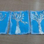Mroźne drzewa z folii aluminiowej