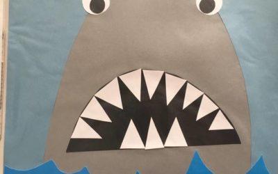 Rekin wycinany z papieru