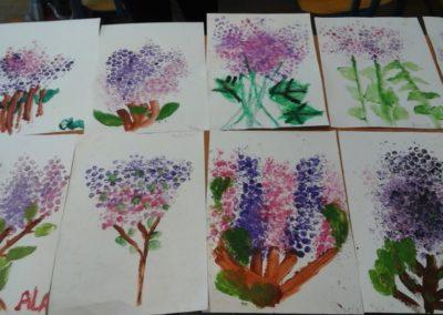 Bzy z folii bąbelkowej Anna Kowalska Prace plastyczne Rośliny (Prace plastyczne) Wiosna Wiosna (Prace plastyczne)