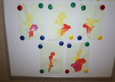 Kwiaty nitką malowane Dzień Matki Dzień Rodziny Małgorzata Wojkowska Prace plastyczne Prace plastyczne (Dzień Mamy) Rośliny Wiosna