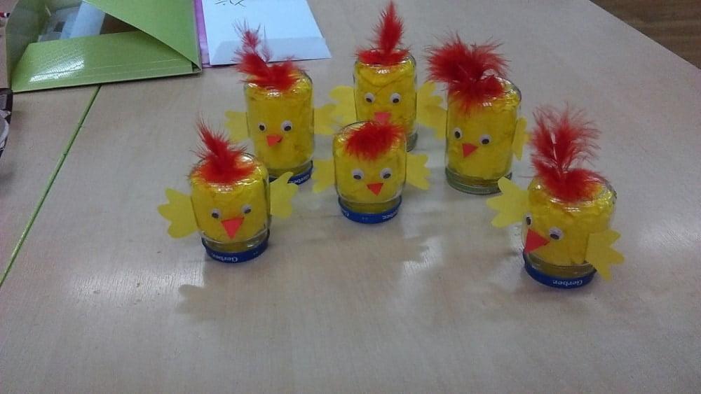 Kurczaki z małych słoikówk